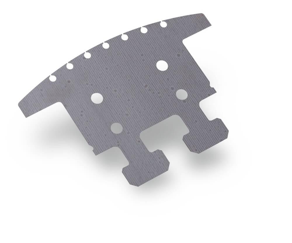 Découpage laser fibre d'une plaque acier avec trous